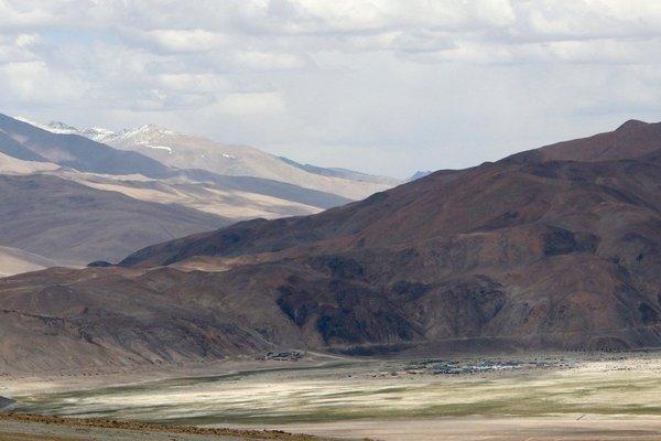 Ấn Độ xây boongke gần biên giới tranh chấp với Trung Quốc, dân lo sợ muốn rời đi
