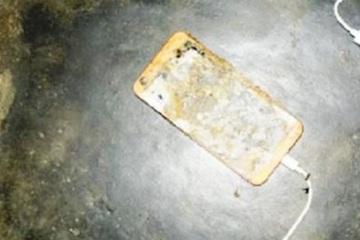 Điện thoại phát nổ khi học online, 1 học sinh tử vong thương tâm