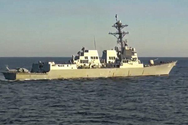 Tàu chiến Nga đuổi theo chiến hạm Mỹ khi đang tập trận với hải quân Trung Quốc