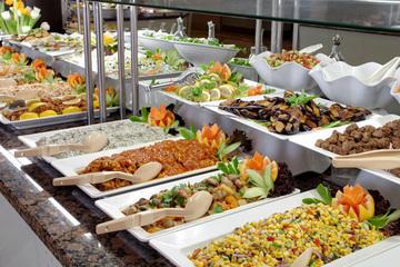 Vì sao buffet là hình thức ăn không khoa học, có hại cho sức khoẻ?