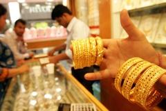 Người mua vàng lỗ tiền triệu sau chưa đầy một tuần