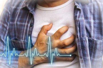 Đau âm ỉ quanh rốn không ngờ nguyên nhân do rối loạn nhịp tim