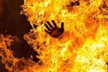 Mâu thuẫn tình ái, người phụ nữ từ hù dọa tới tạt xăng đốt bạn trai