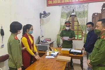 Thêm cán bộ xã 'ăn chặn' tiền hỗ trợ lũ lụt của người dân bị bắt