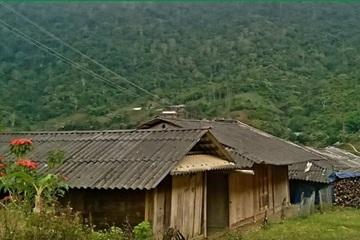 Hàng chục hộ dân người Mông ở biên giới sập bẫy tiền ảo đa cấp