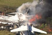 Những chiếc máy bay gặp nạn cháy rụi, hàng trăm hành khách thoát chết khó tin