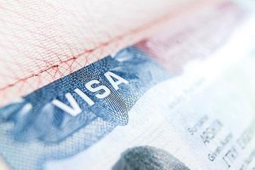 Người Nga sẽ phải đến Ba Lan để xin thị thực nhập cư Mỹ