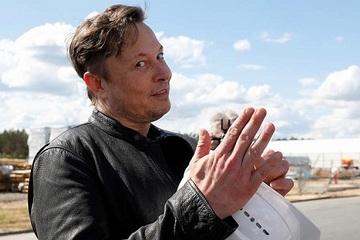Forbes vinh danh tỷ phú Elon Musk là người giàu nhất trong lịch sử