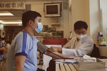 Ngày đầu tiêm vắc xin Covid-19 cho trẻ: Có 10 học sinh hoãn tiêm, hơn 1600 em đã được tiêm