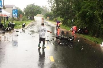 3 xe máy tông nhau liên hoàn, 3 người tử vong